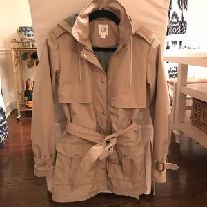 Gap Short Hooded Trench XS